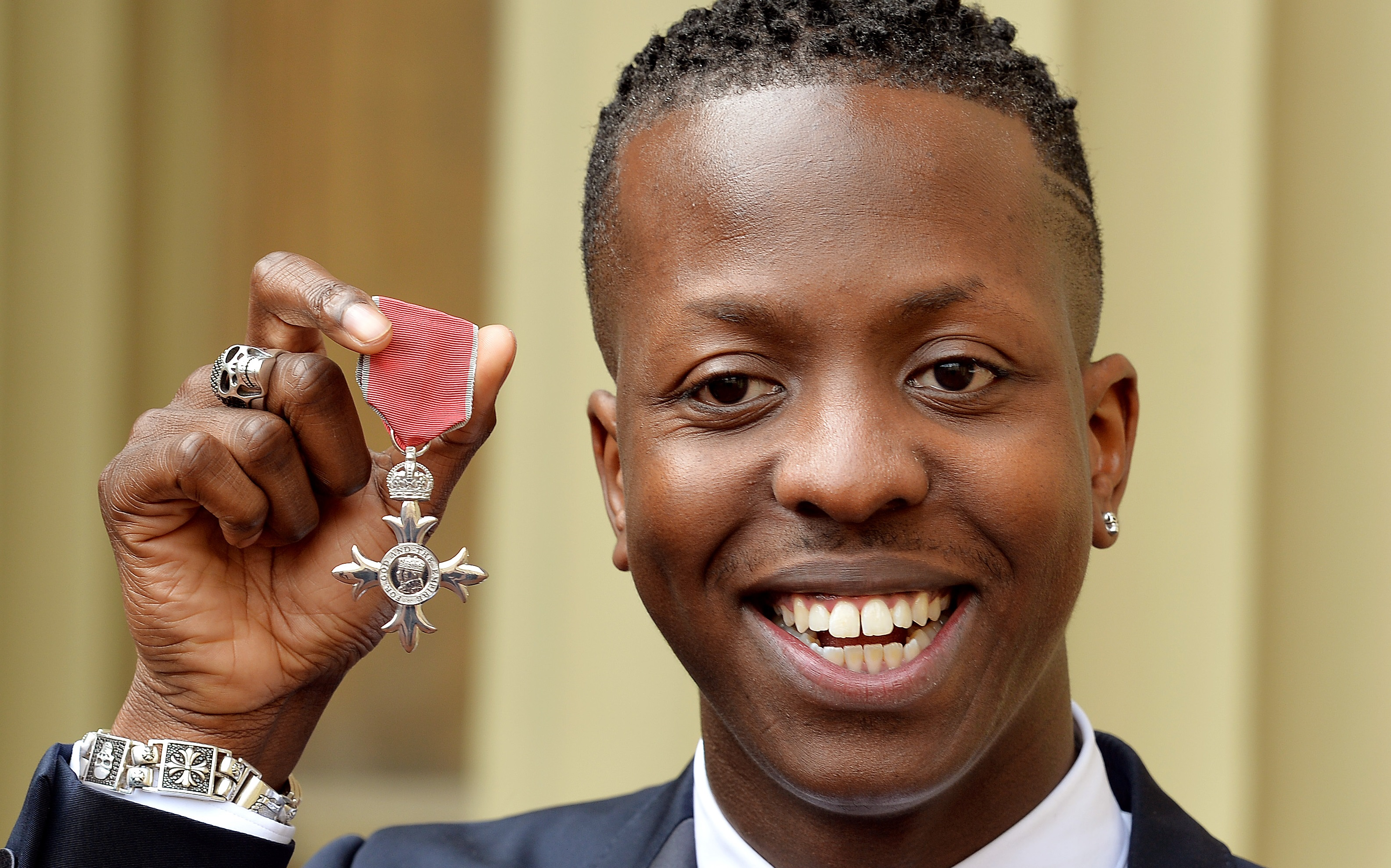 'SBTV FOUNDER' JAMAL EDWARDS RECEIVES MBE FROM PRINCE CHARLES!