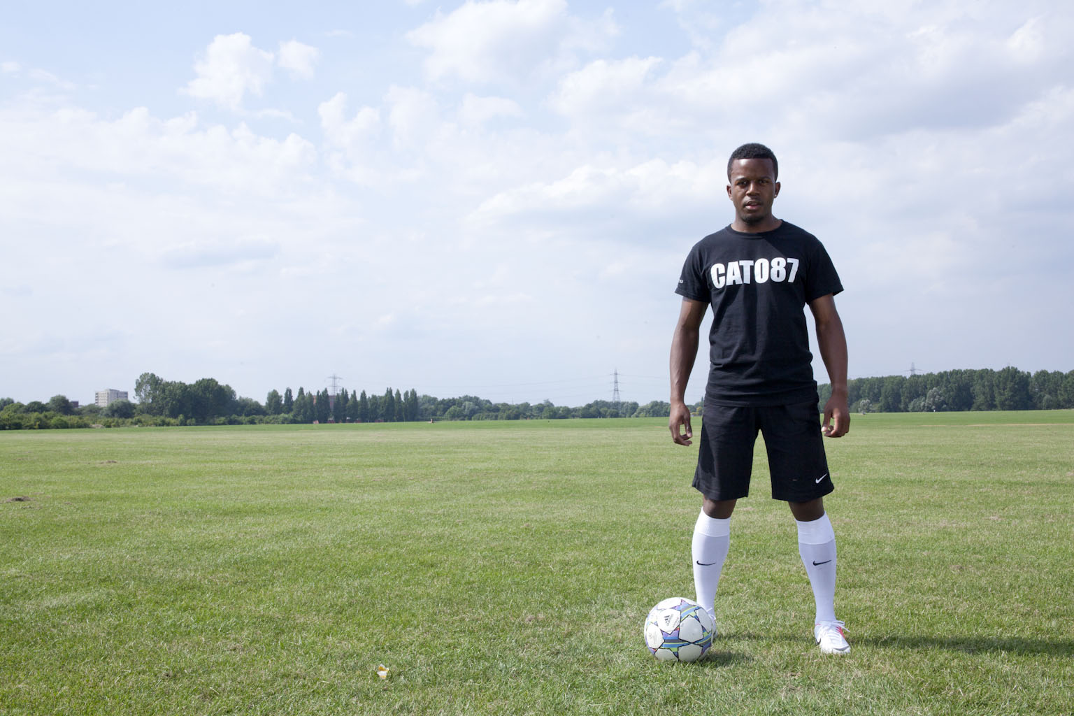 ELITE LION FITNESS SPEAKS TO FOOTBALL FREESTYLER 'AARON CATO' ABOUT HIS CAREER & TRAINING ROUTINES! (VIDEO)