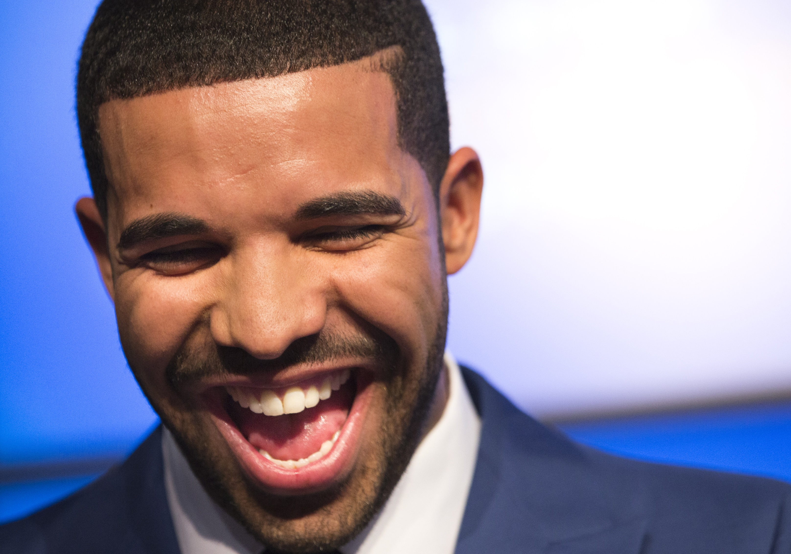 DRAKE DROPS SOME POWERFUL WORDS OF WISDOM ABOUT SUCCESS! (MOTIVATIONAL VIDEO)