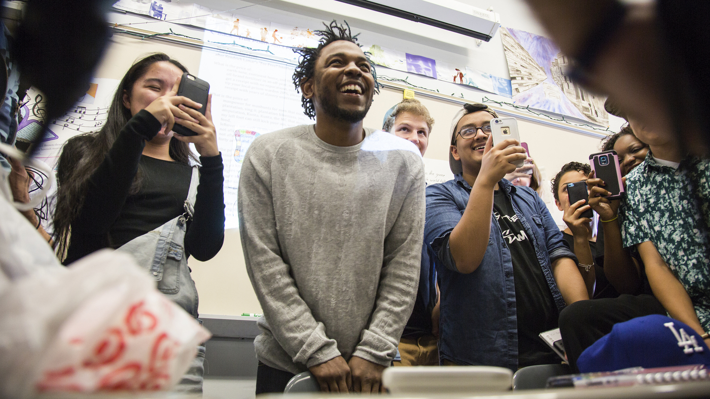 WHAT A WAY TO LEARN! TEACHER USES KENDRICK LAMAR'S NEW ALBUM TO TEACH STUDENTS & HE VISITS THE CLASS HIMSELF! (VIDEO)