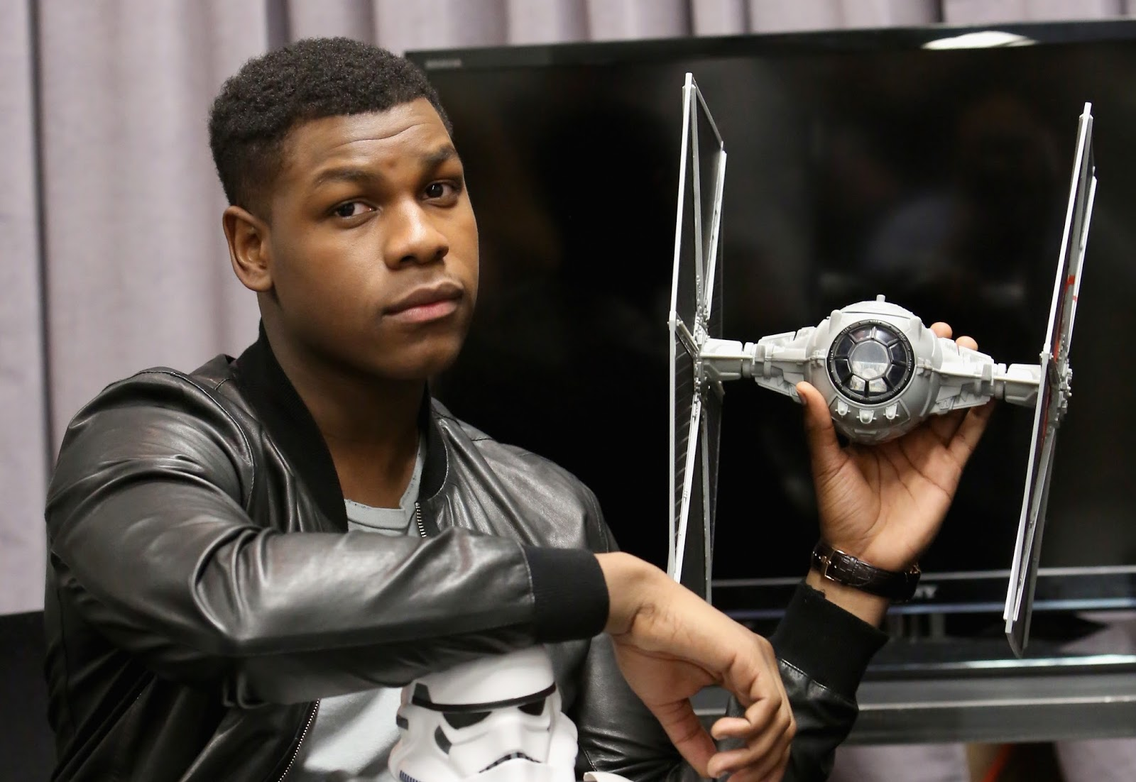 5 THINGS YOU DIDN'T KNOW ABOUT 'STAR WARS' LEAD ACTOR & SOUTH LONDONER 'JOHN BOYEGA' (VIDEO)